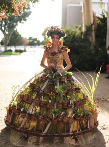 The Mobile Garden Dress. Photo: Eric Stoner.