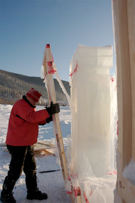 De-moulding - After wild temperature fluctuations from rain to -50 Celsius, the wooden forms are taken off.