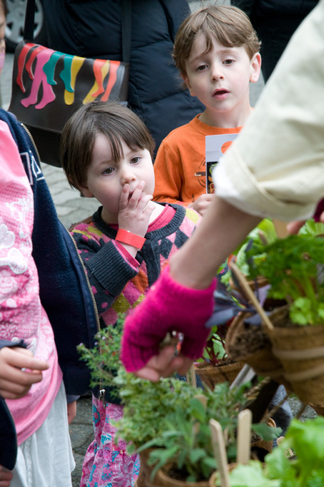 The dress also acts as an educational tool for plant identification.
